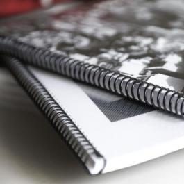 Apostila Preto/ Branco (Valor por Folha) Capa Transparente e Contra Capa Preta A4 PB frente e verso  Encadernação Espiral Preto