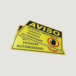 Placa de PVC Adesivada Adesivo vinil  - Chapa de PVC 2mm  4x0  Corte Reto